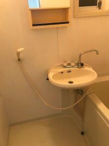 ユニットバス内の洗面器