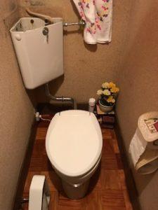 墨付きタンクのトイレ