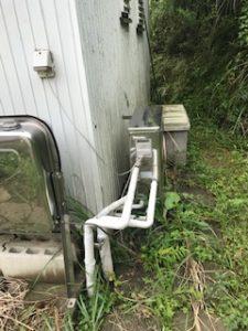 屋外の配管